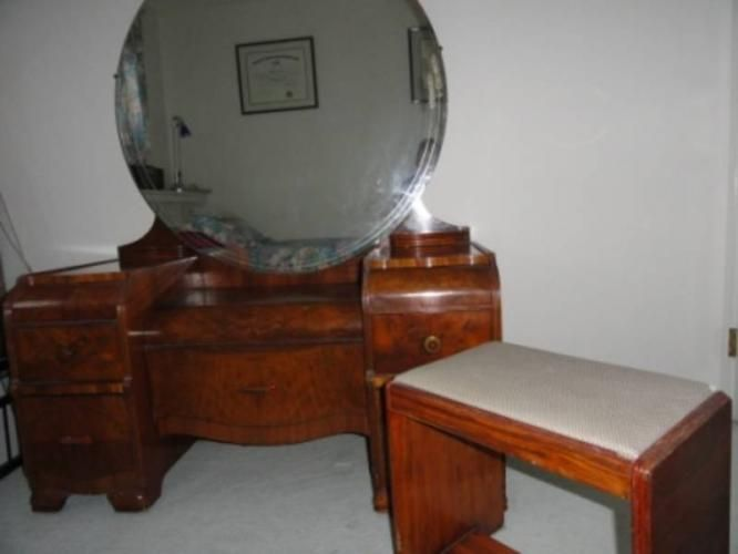1930 1940 Decor 1930 S Art Deco Walnut Bedroom Suite In Fort Mcmurray Alberta For Selling Furniture Used Furniture For Sale Furniture