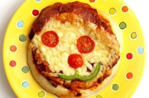 10 best recipes for kids aged 3-6 years old - Funny face pizza - goodtoknow