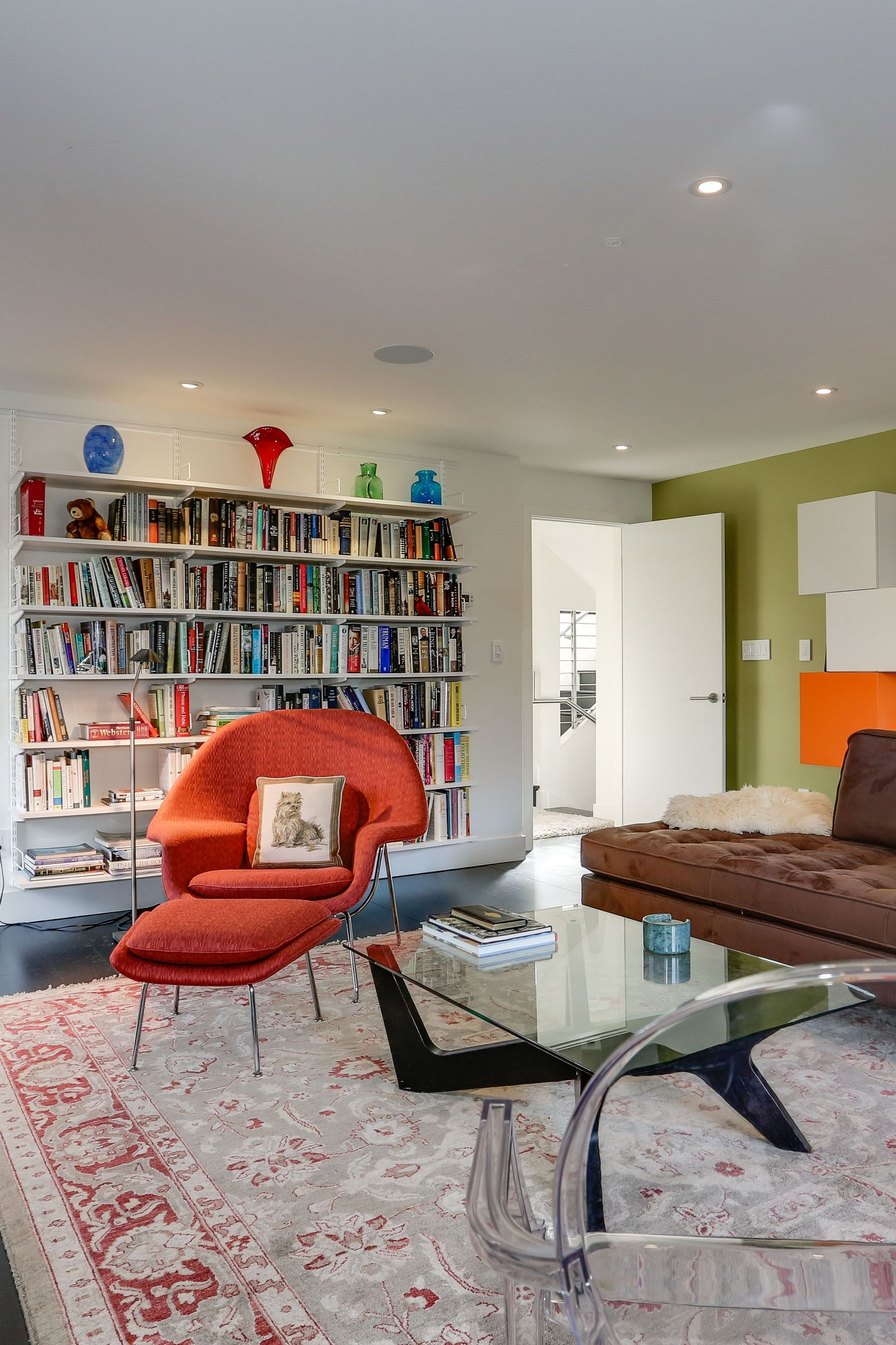 Open Study Room: A Bright & Colorful Study & Lounge Room