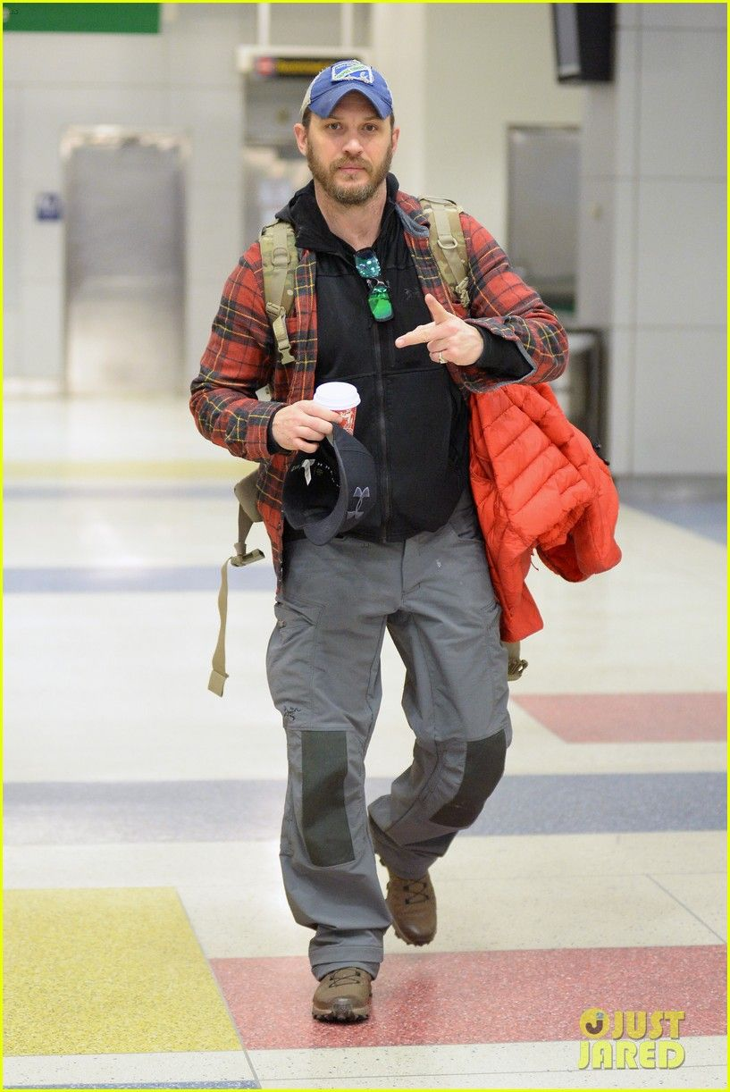 Tom Hardy Touches Down in NYC in Rare New Candid Photos! - December 16th 2016