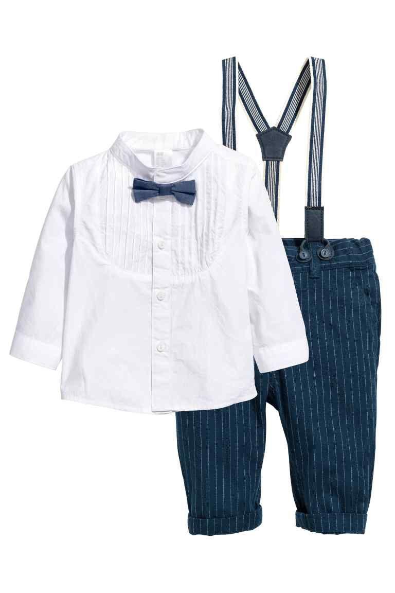 f8c31102d Camisa y pantalón de vestir: Conjunto de vestir en tejido de algodón suave. Camisa  con cuello mao y tapeta con pinzas pespunteadas, pajarita cosida, ...