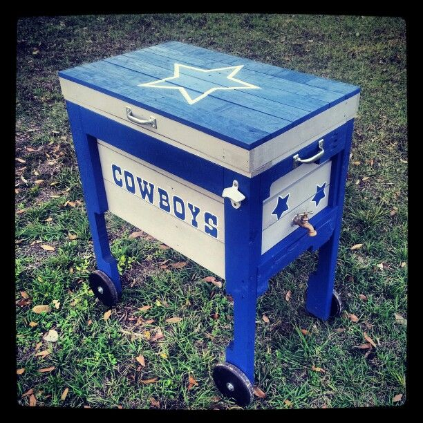 A Handmade Dallas Cowboys Cooler Box From Recycled Pallets.