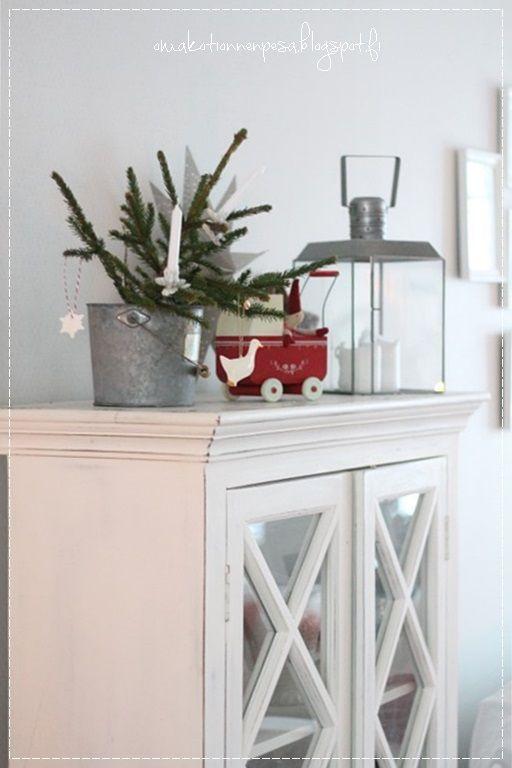 joulukoti, joulusisustus, joulukattaus, maalaisromanttinen koti, joulukuusi, romantic home, lantlig, skönähem, kitchen, kök, interior, whitehome, greengate, maileg