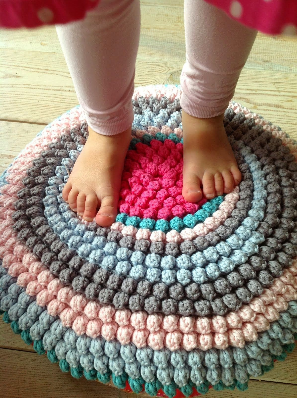 Dutch crochet site with popcorn stitch rug... | gehaakt interieur ...