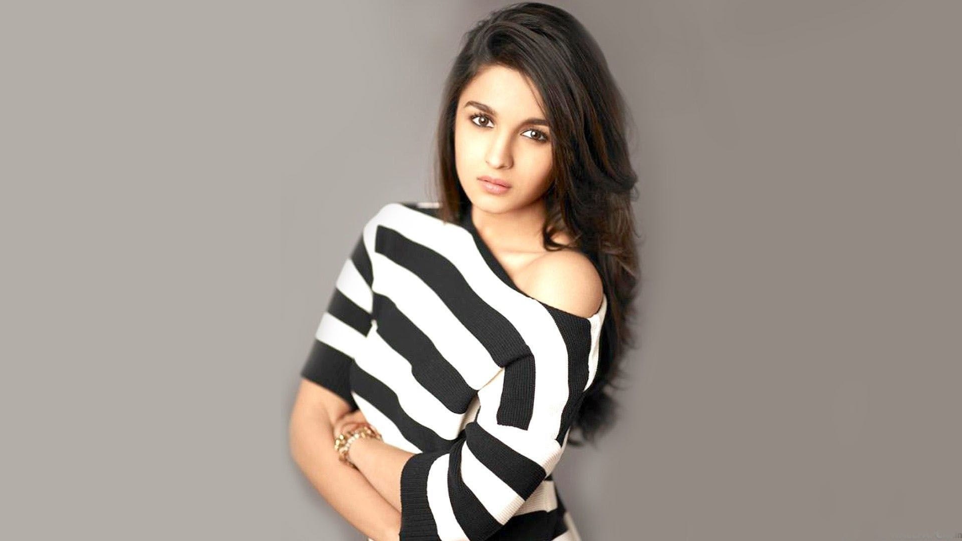 Alia bhatt hot and spicy images wallpapers - Sexy Alia Bhatt Hot Wallpaper For Whatsapp