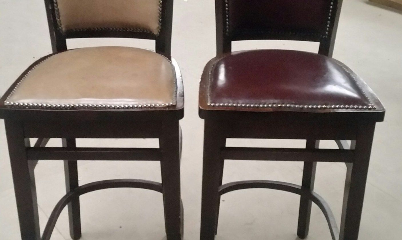 2019 Chesterfield Style Bar Stool Luxury