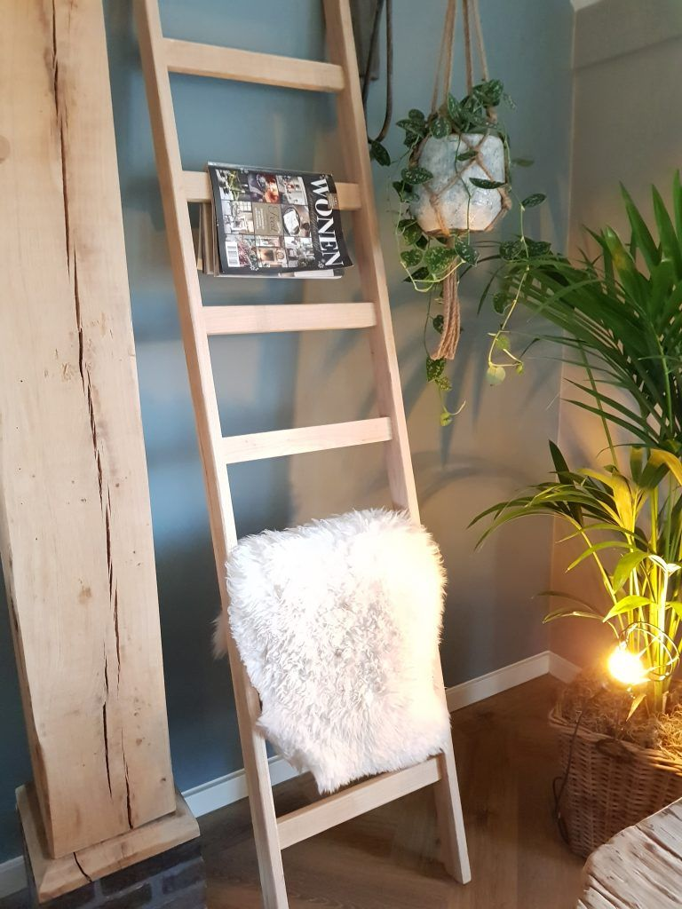 Houten Decoratie Ladder 003 Filip Visser Fietst Tegen Armoede Houten Ladder Interieur Slaapkamer Ladder