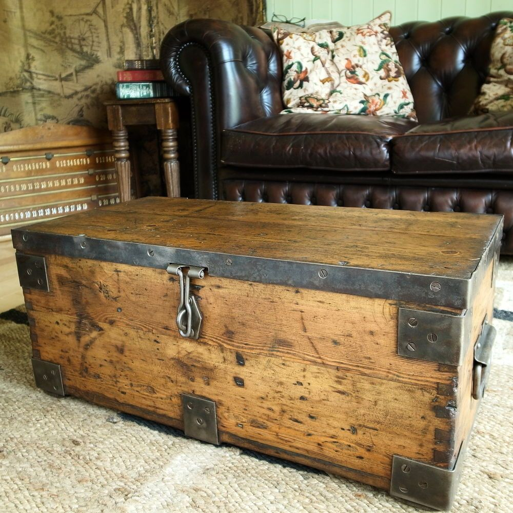 Nice VINTAGE INDUSTRIAL CHEST Storage Trunk WWII MILITARY CHEST Rustic Pine TOOL  BOX