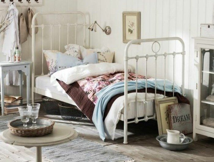 00-amenagement-chambre-ado-fille-lit-en-fer-blanc-tapis-beige-sol-en