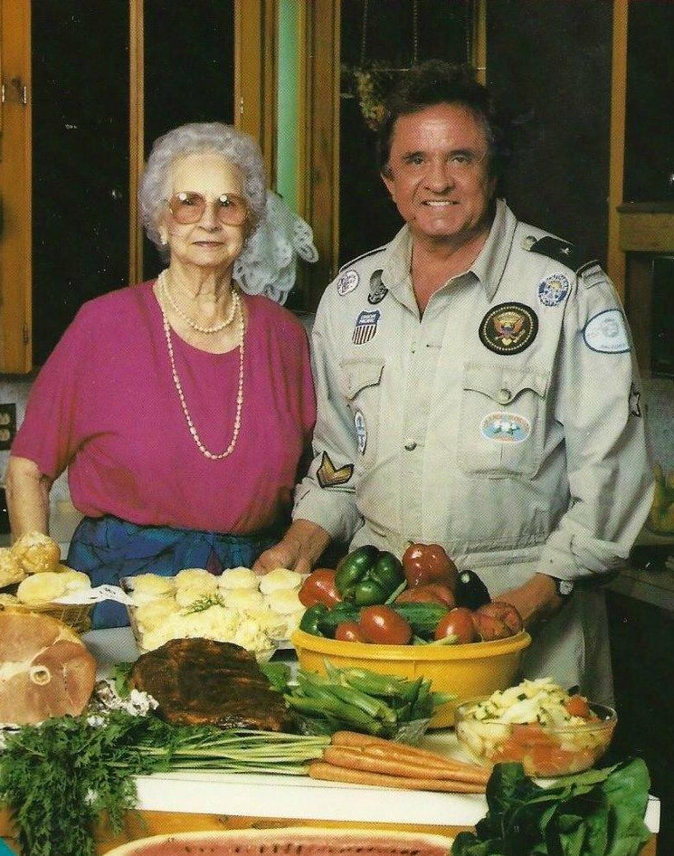 Mom Carrie Cash & Johnny Cash: Carrie's Kitchen