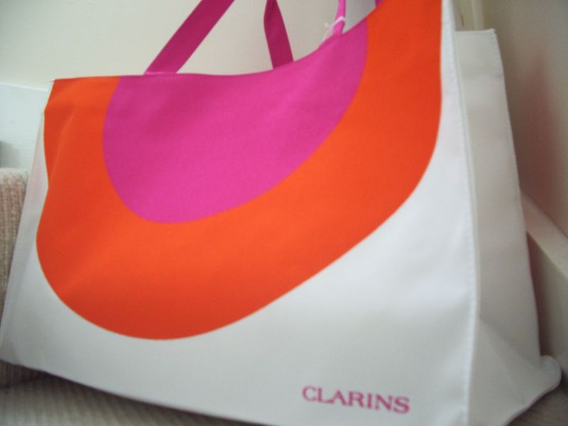 Gorgeous Large CLARINS Beach Bag NEW Orange   White   Pink Circles ...