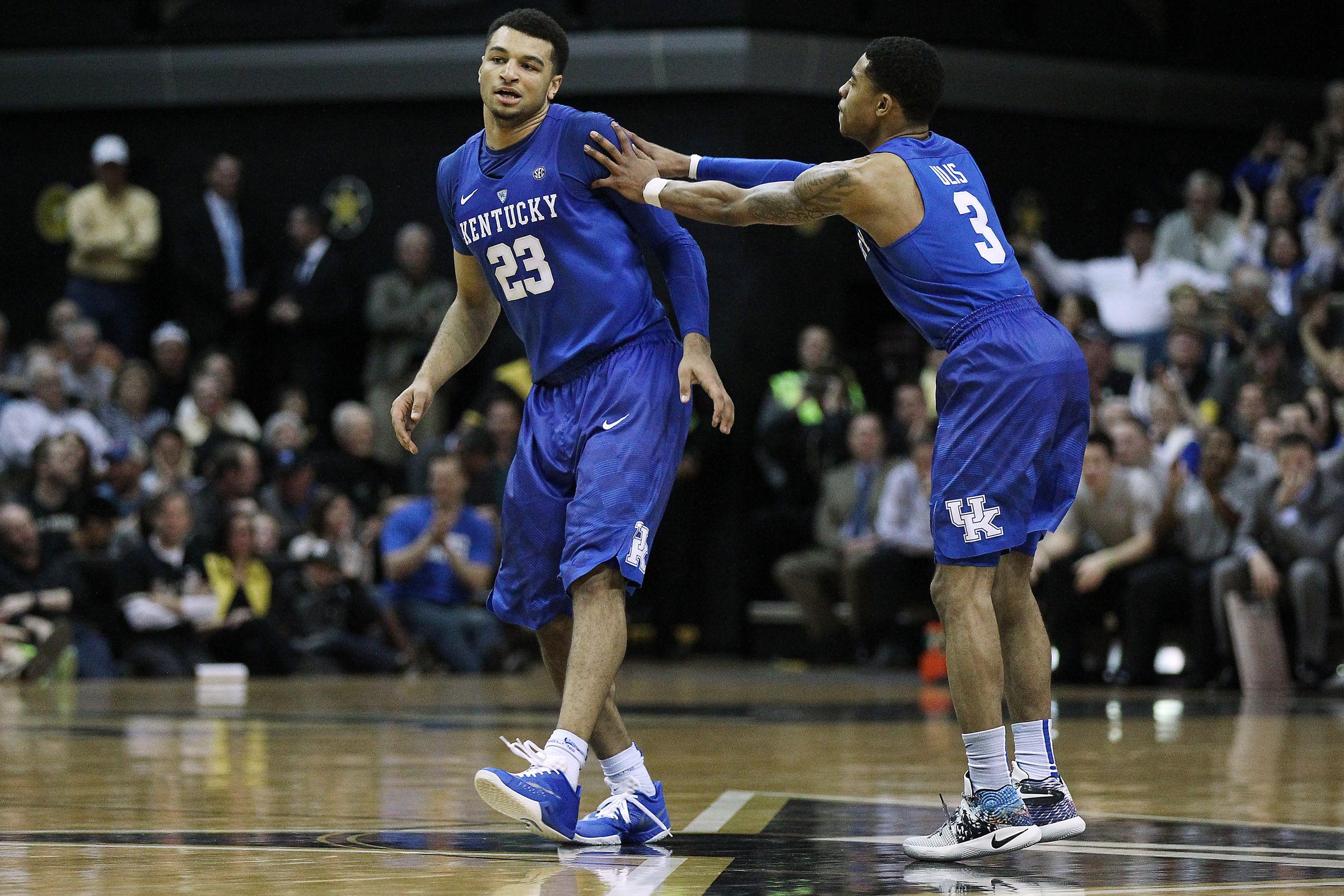 Tyler Ulis and Jamal Murray are two of the nation's best guards in the country. It should come as no surprise then that one of them (Ulis) is a finalist for the Oscar Robertson Trophy (national player of the year) and the other (Jamal Murray) is one of five finalists for the Wayman Tisdale Award (national freshman of the year).