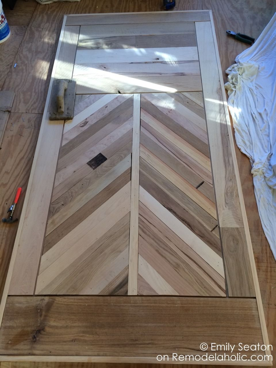 Build And Amazing Chevron Barn Door With This Great