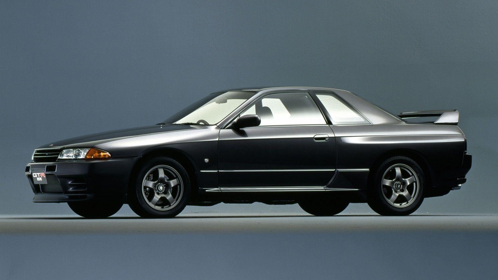 Nissan Skyline GTR R32 Sports Car (1989-1994) The Nissan Skyline GTR ...