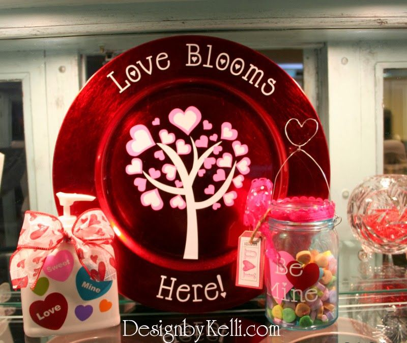 Cute Valentineu0027s decor decorating ideas vinyl decals lettering and craft projects! Valentine Charger. & Cute Valentineu0027s decor decorating ideas vinyl decals lettering ...