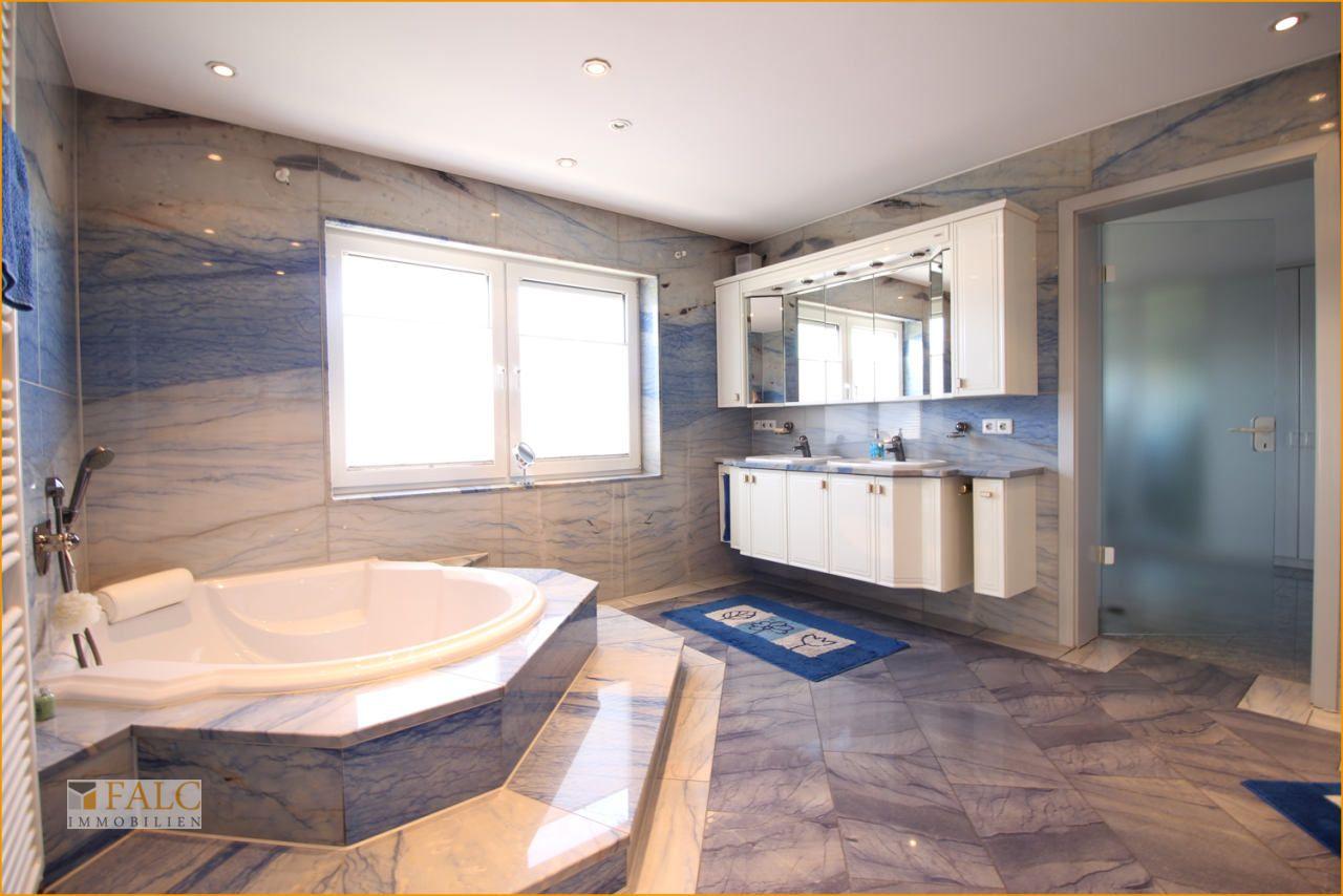 Luxus Licht Stil Exklusives Haus In Erstklassiger Ausstattung Mit Bildern Haus Einfamilienhaus