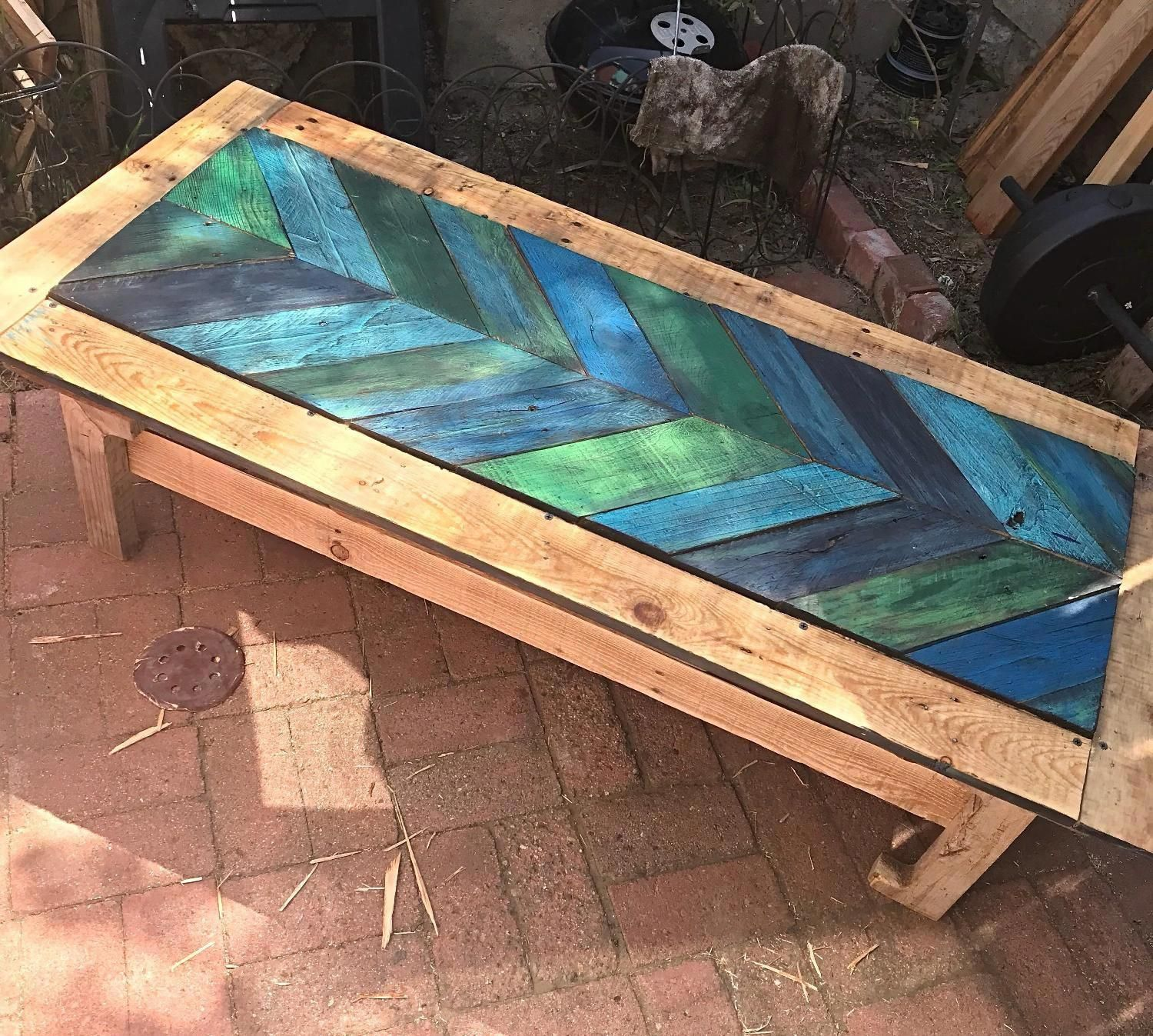 Best Wooden Pallet Coffee Table Up Cycled Chevron Pattern