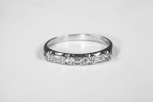 Antique 1920s Baguette .50ct Platinum Wedding Band Ring I could wear that every day. Just sayin.