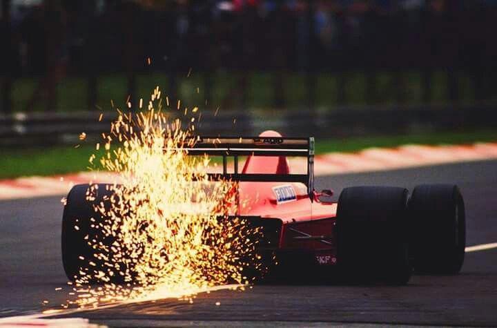 #27 Gerhard Berger...Scuderia Ferrari SpA SEFAC...Ferrari 640...Motor Ferrari 035/5 V12 3.5...GP Italia 1989