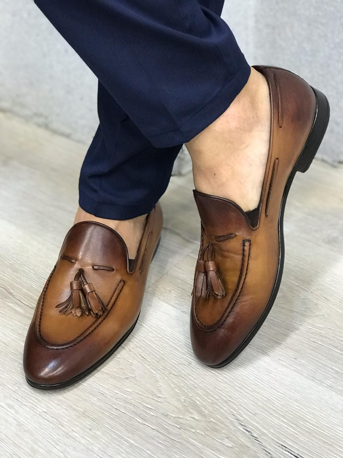 Antique Taba Leather Shoes - Aysoti