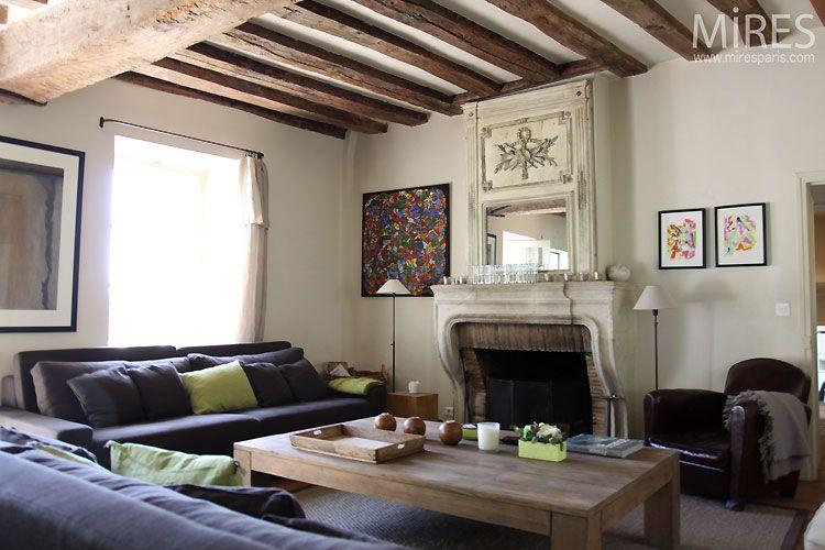Autre Exemple Mais Les Poutres Sont Decapees Avec Images Plafond A La Francaise Poutres Apparentes Deco Salon