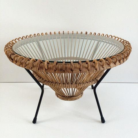 A Authentic Vintage 1960s Wicker Table Table Ronde En Rotin Vintage Table Basse Rotin Chambre En Osier Osier