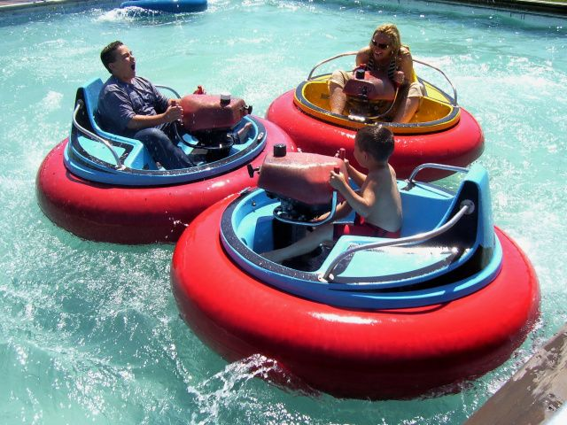 Bumper Boats Boat Historical Place Water Park