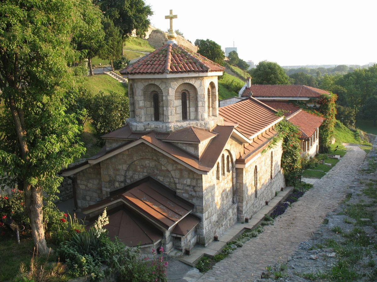 Crkva svete Petke1.jpg