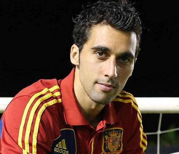 El futbolista Álvaro Arbeloa se despide de la selección española #personajes