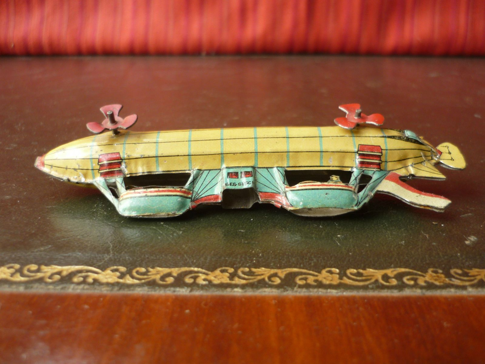 Very Rare C 1910 Meier Tin Zeppelin Airship Penny Toy