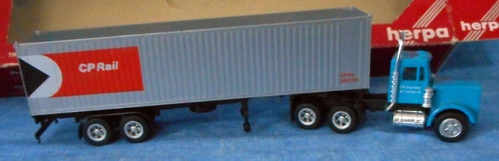 Herpa Peterbilt Tractor Trailer Truck DOLE 1:87 HO Scale