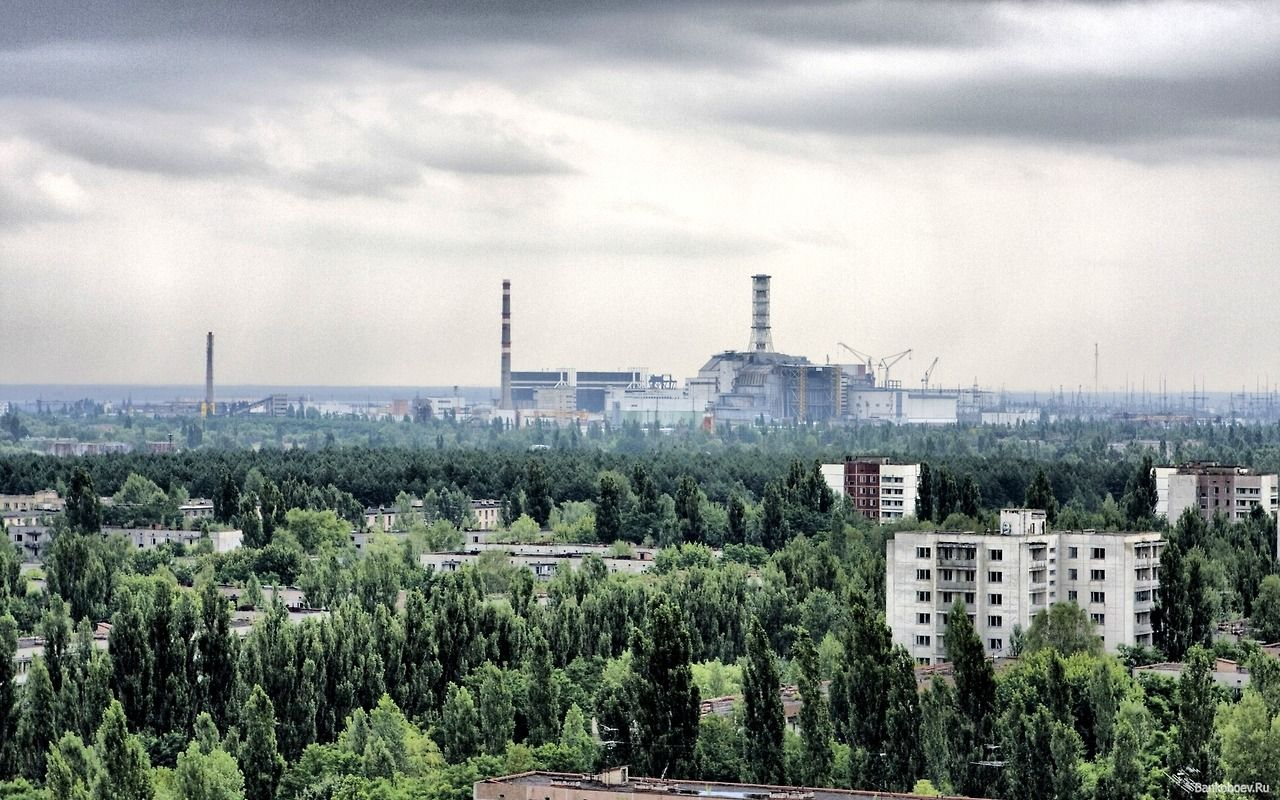 Planetary Cities In 2019 Chernobyl Cityscape Wallpaper