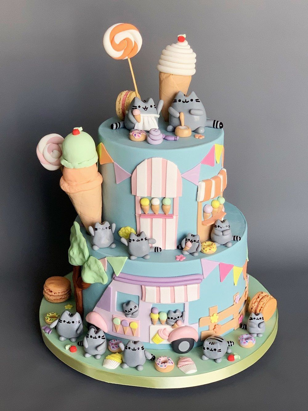 Novelty & Sculpted Cakes — Honey Crumb Cake Studio