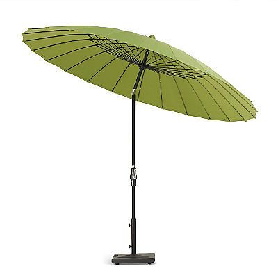 When you want to purchase garden parasols, it's significant never to rush into a decision as by doing so you may end up with a design that does not compliment your garden or other patio furniture. There are lots of considerations that should be analyzed in full prior to making a buy.
