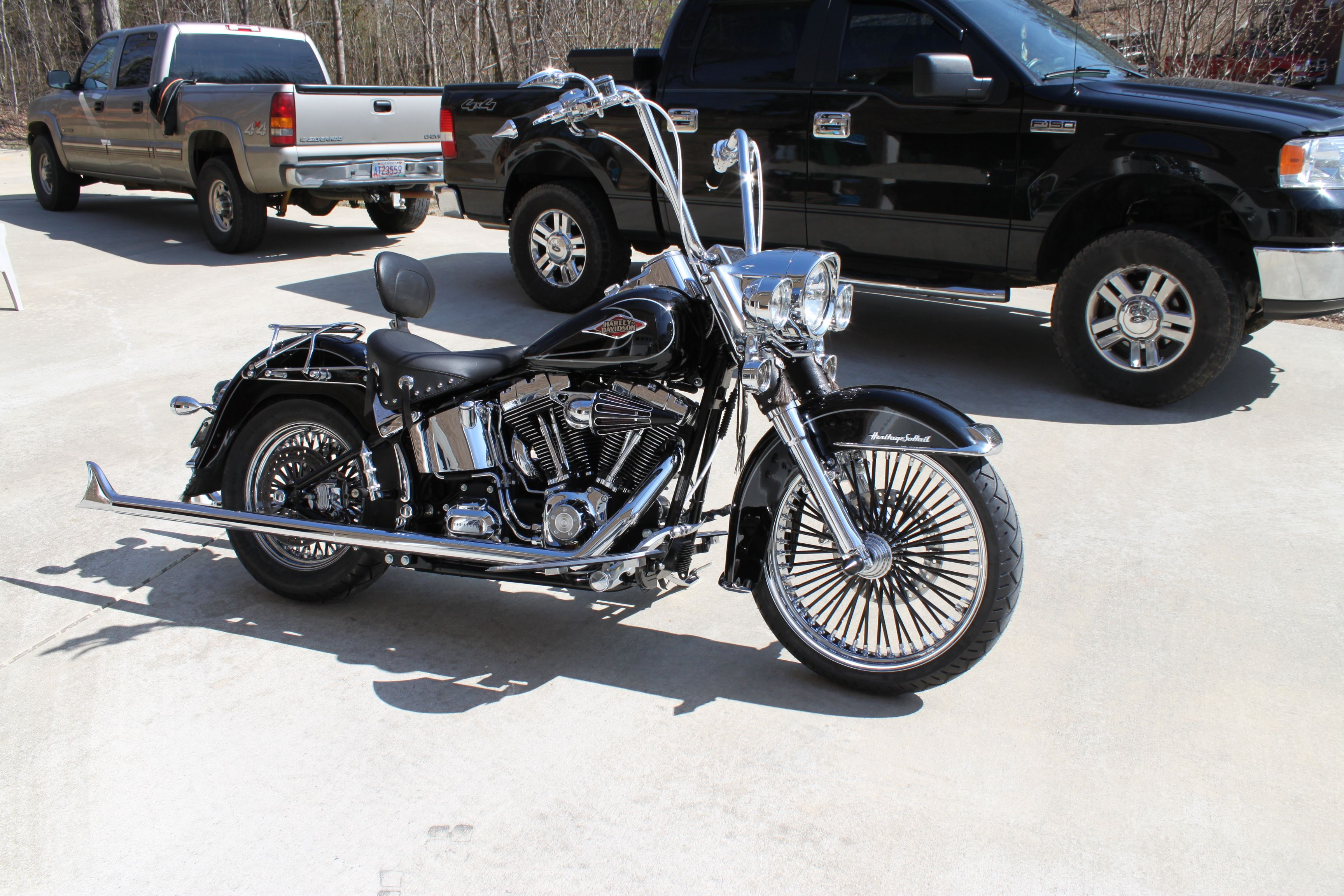 Custom Softail with black spokes    Ridewright Wheels #62