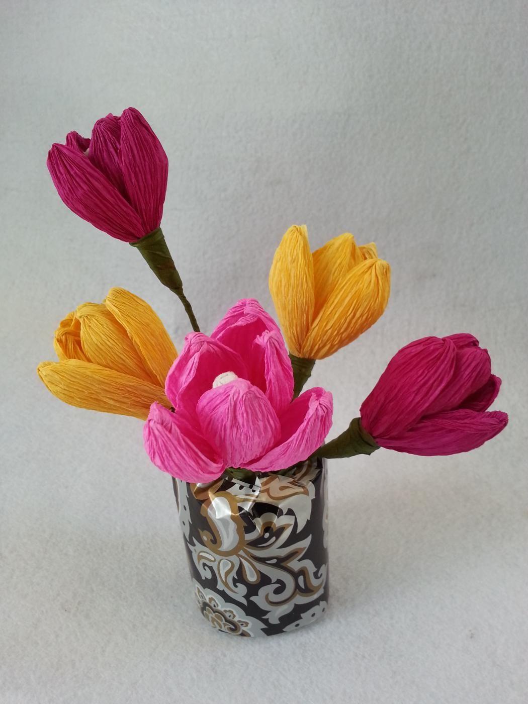 Diy Crepe Paper Tulip Flowers Crepe Paper Crpes And Tulips Flowers