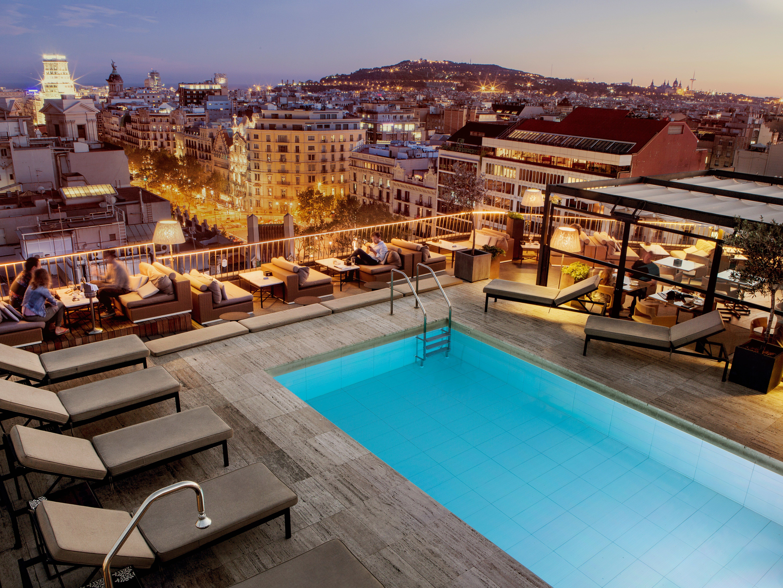The 6 Best Late Spring Getaways | Best rooftop bars ...