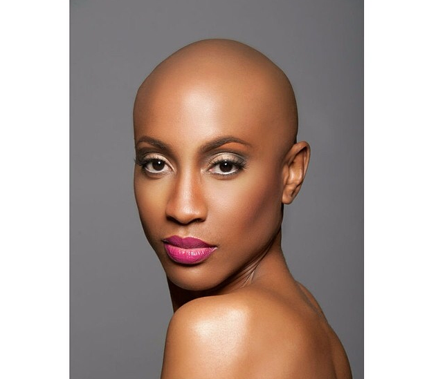 Simplicity! - http://www.chicweddingtips.com/hairstyles ...