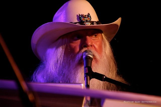 Leon Russell.  This is how he looked the last time we saw him in Boulder, Colorado. Great 🎶 Musician!
