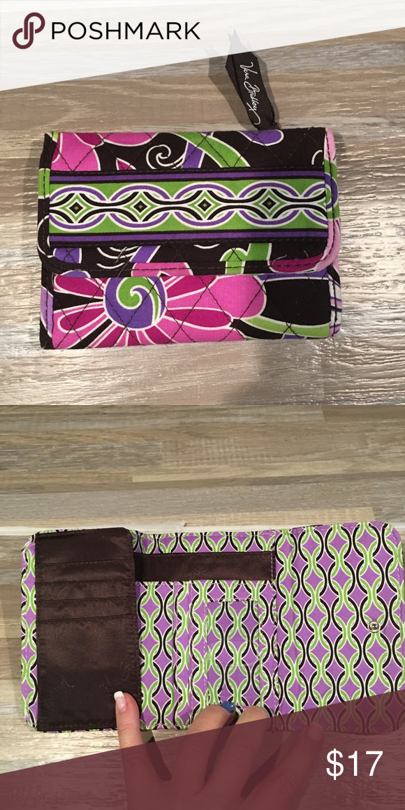 4d9bd73a7603 BEAUTIFUL PREOWNED VERA BRADLEY TRIFOLD WALLET OH MY GOODNESS!!! This was  used for