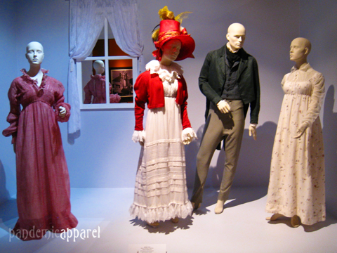 """Movie costumes """"Bright star"""" by Janet Patterson"""