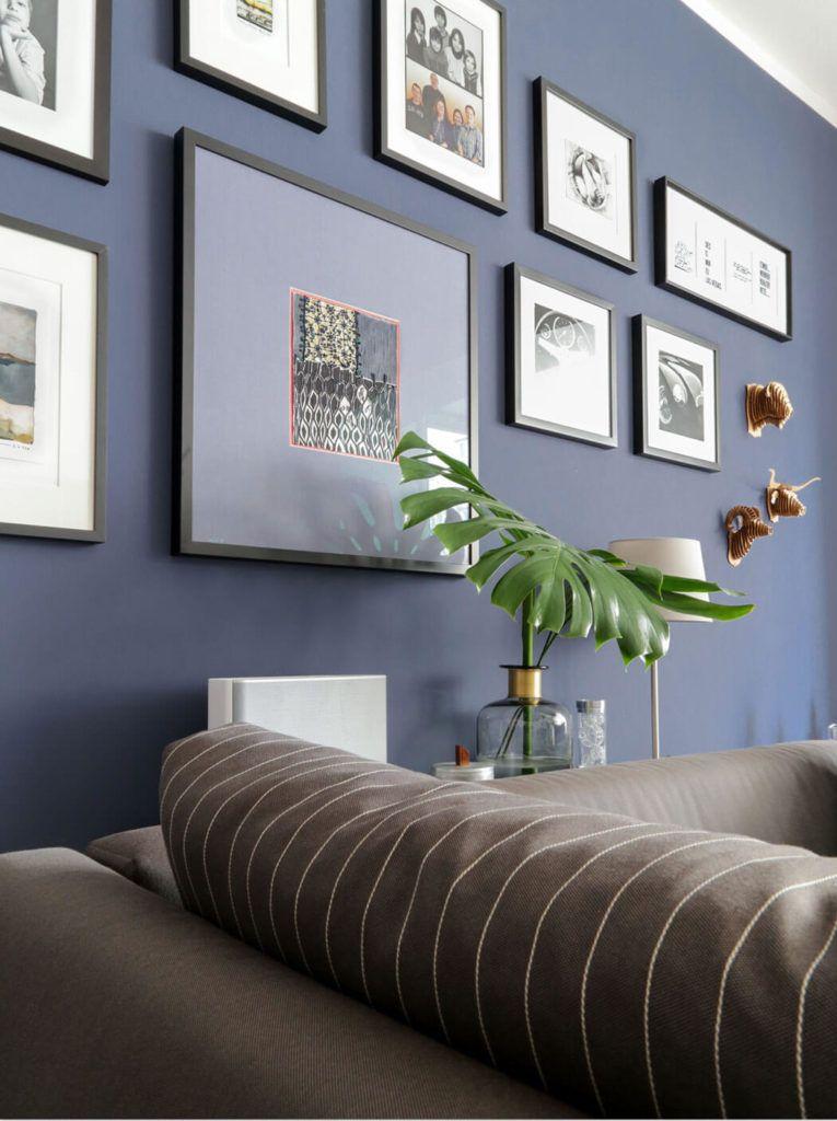 Dunkelblaue Wandfarbe Fur S Wohnzimmer Probiere Es Mal Aus Wandfarbe Wohnzimmer Wohnzimmer Farbe Und Wohnzimmerfarben