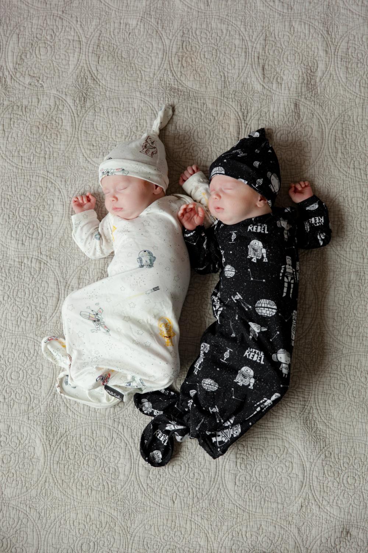 b966eef29 Knotted Hat + Gown Set Star Wars™ LITTLE GALAXY | Diy | Baby disney ...