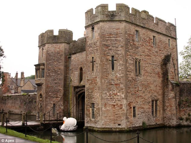 Bishop's Palace in Wells, Somerset, which has a tradition of swan training dating back centuries http://www.dailymail.co.uk/news/article-2159733/Swans-ring-bell-food-centuries-old-tradition-muscled-enterprising-ducks.html