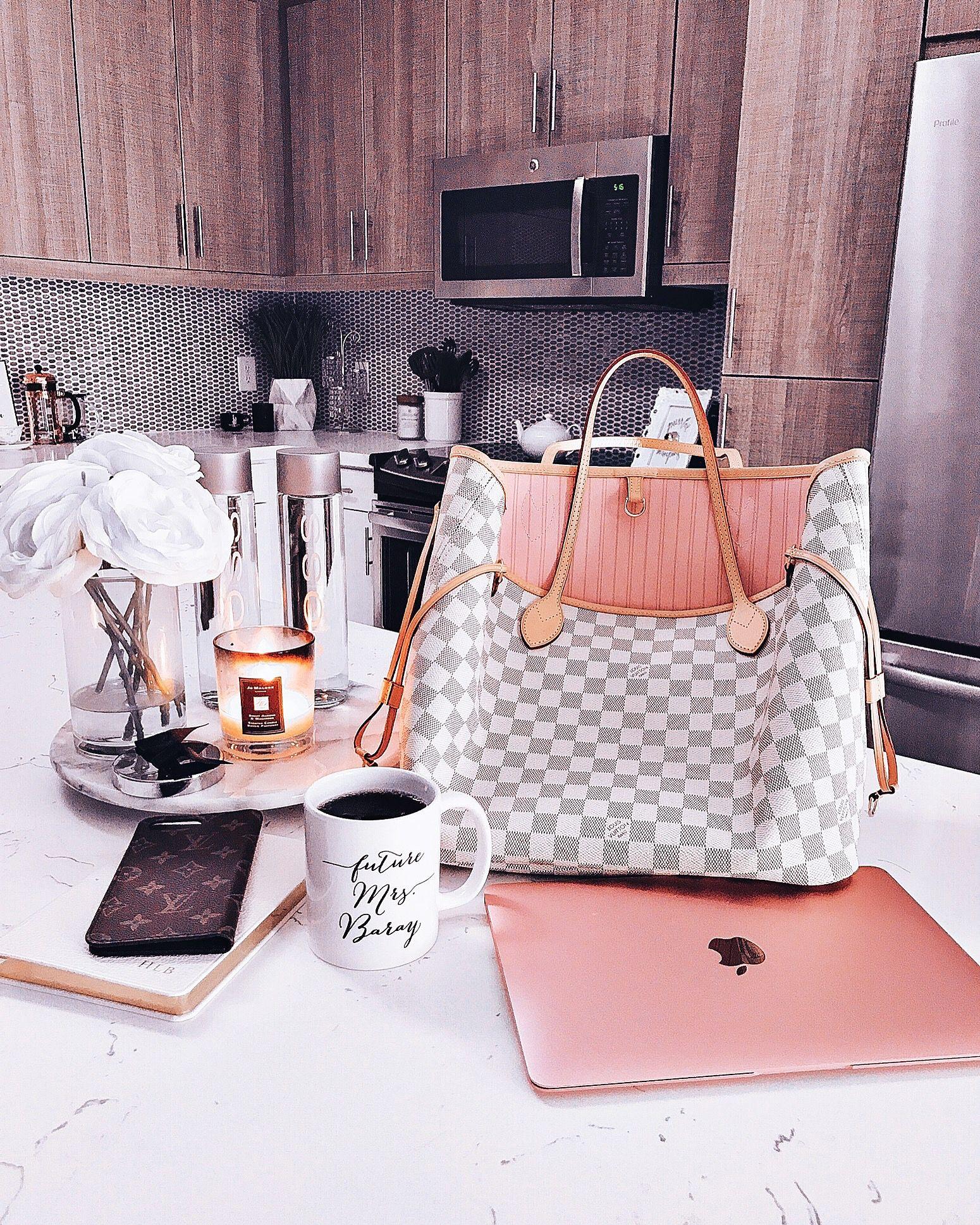 Blondie in the City   Kitchen Decor    HayleyLarue Instagram   Louis Vuitton  Neverfull MM 6242181e369