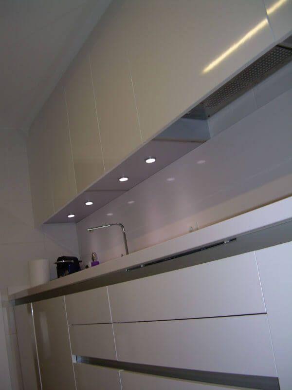 Cómo iluminar una cocina: Claves para acertar con la iluminación ...