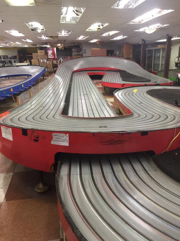 Trains And Lanes Easton Pa 220 Altec In 2020 Slot Car Tracks Slot Car Racing Slot Cars