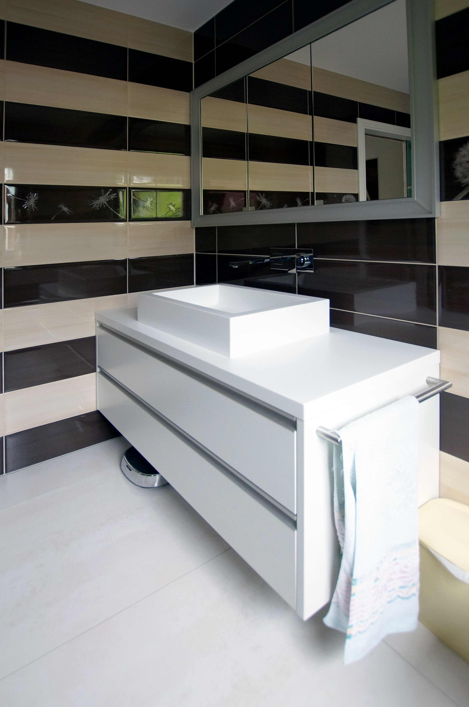 Waschtisch mit Aufsatzwaschbecken Einbaumöbel