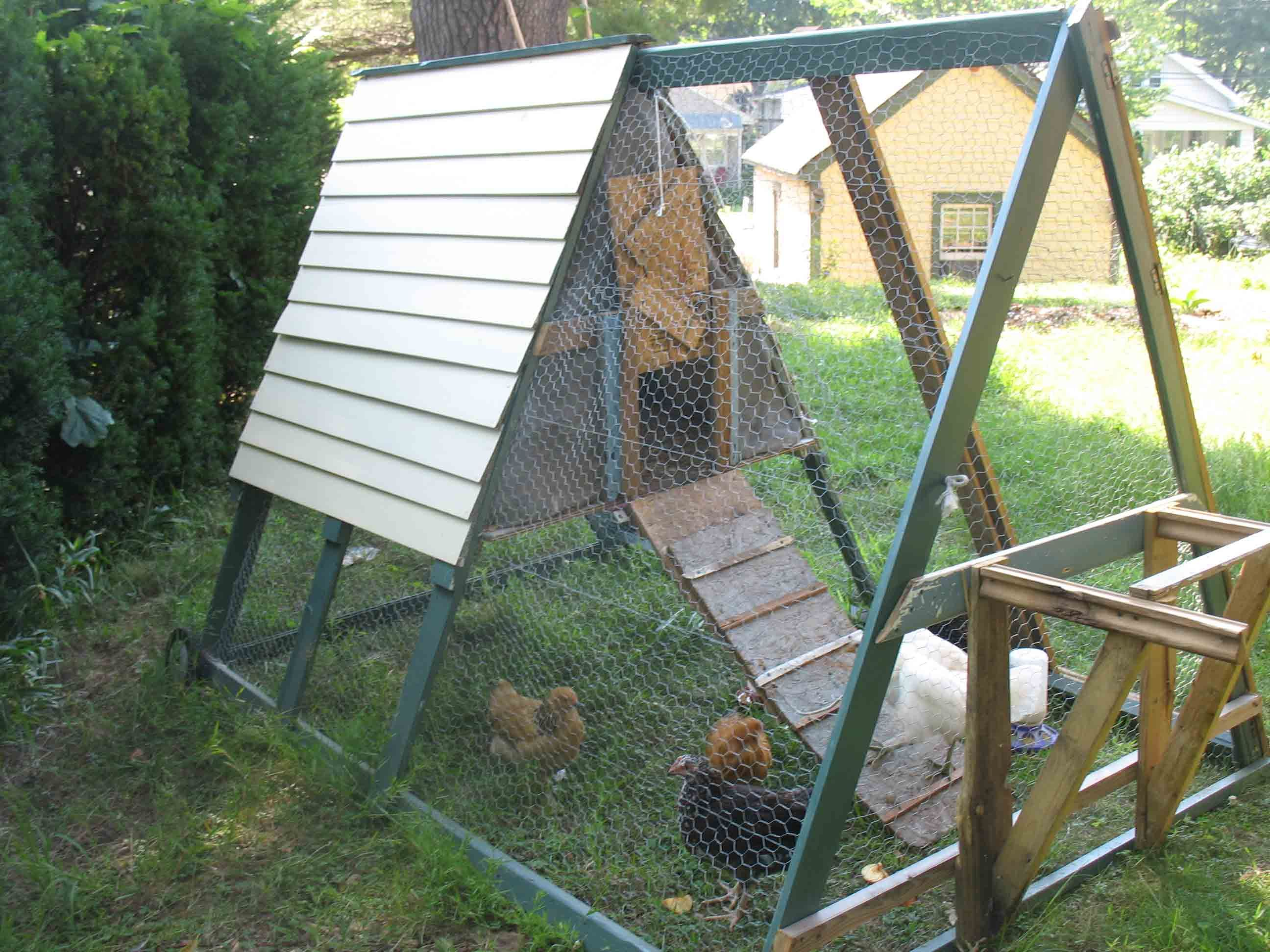 this is a mobile chicken arc coop great for keeping chickens in