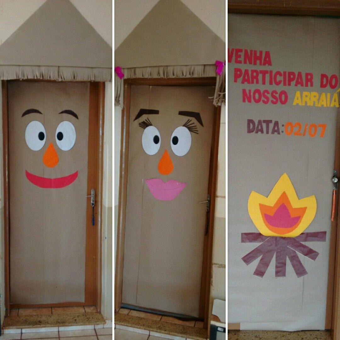Portas decoradas em clima de festa Junina/Julina